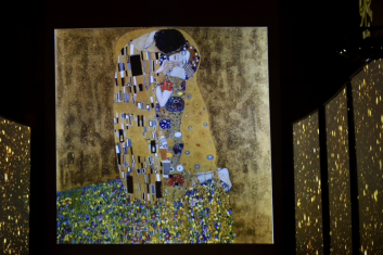 klimt-experience-the-fake-factory-57