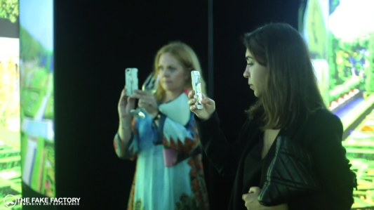 IMMERSIVE ART EXPERIENCE by THE FAKE FACTORY MIRROR ROOM EXPERIENCE317