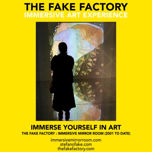 THE FAKE FACTORY immersive mirror room_02036
